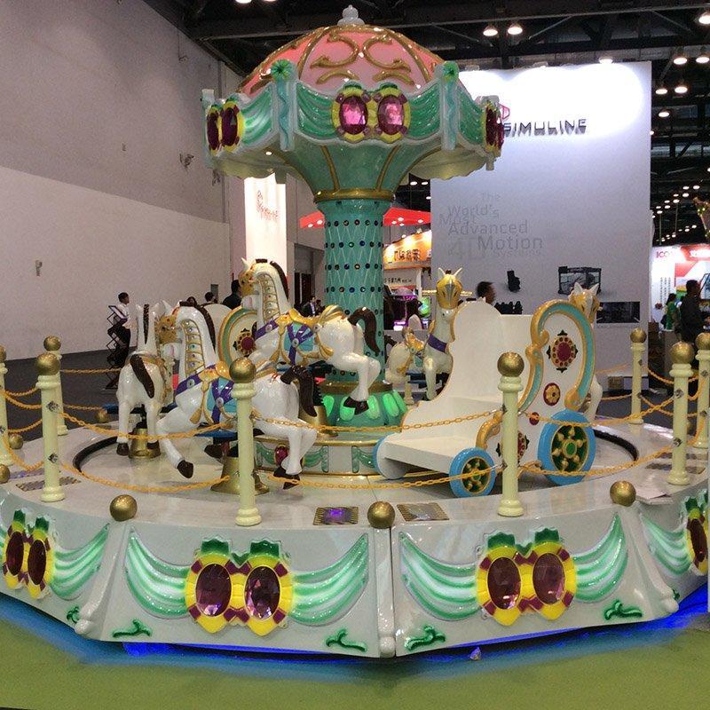 Carousel 11P Cake