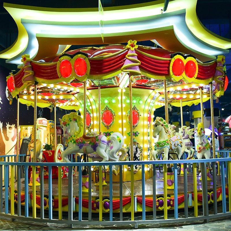 Carousel 12P European (Red)